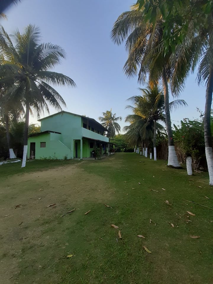 Quarto em Genipabú perto da Praia com piscina