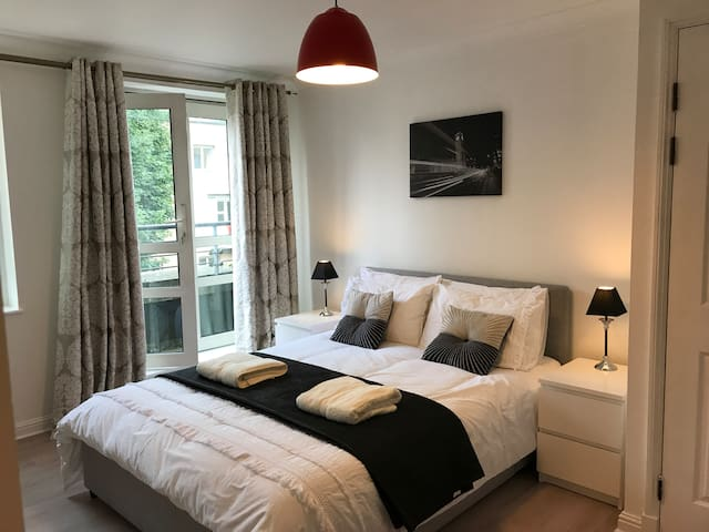 Brand new 3 bedroom apartment by Maida Vale