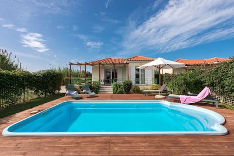 Venus, villa with private pool , 2min to the beach