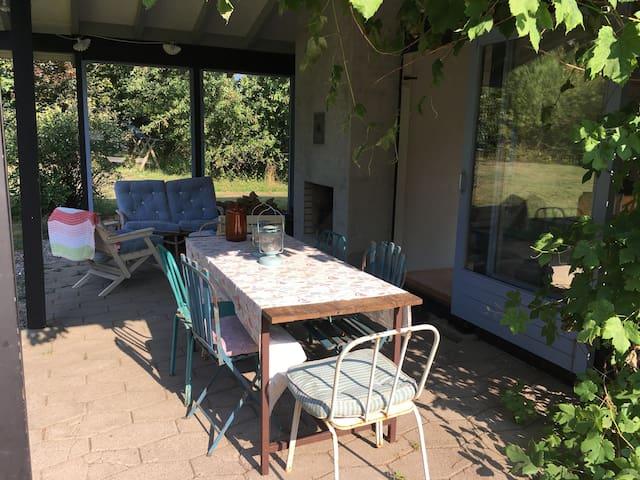 Charmerende sommerhus i Tisvilde - Tisvilde - Casa