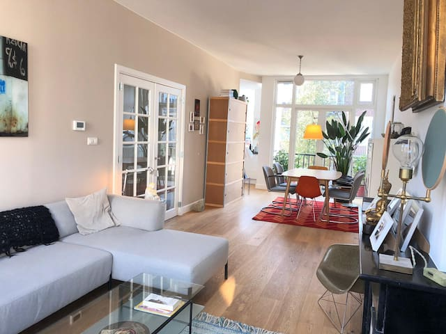 Light & Spacious Home in Den Haag (2 persons)