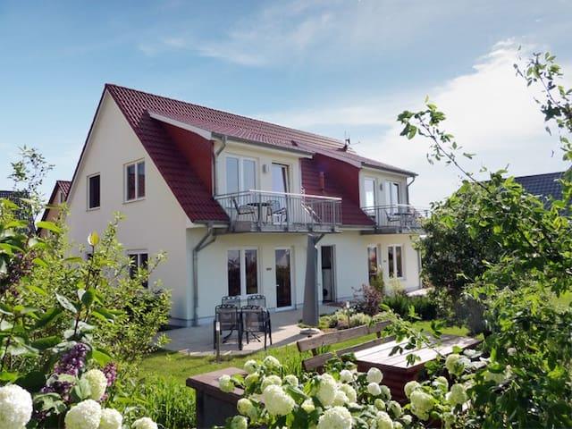 Strandnah und ruhig gelegene Dachgeschoss-Wohnung - Loddin