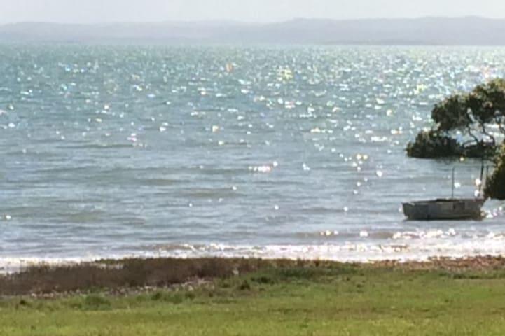 Seaside Serenity - Booral - Hus