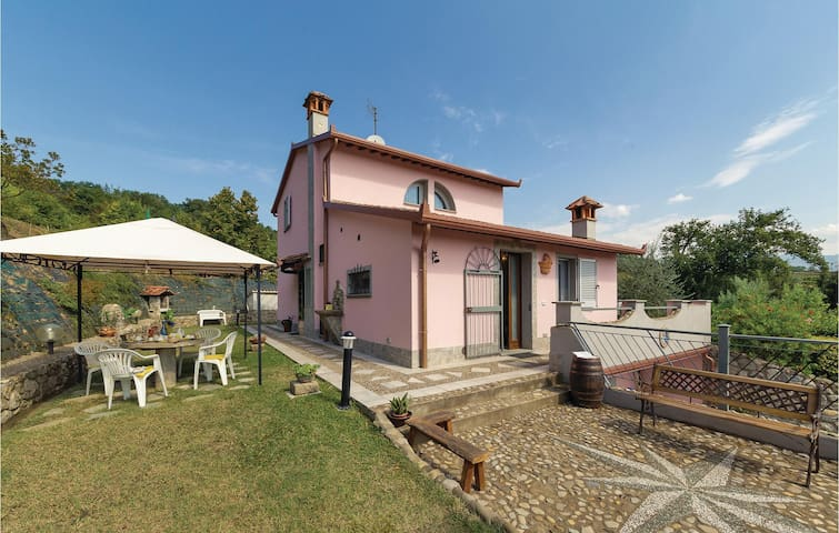 Holiday cottage with 3 bedrooms on 130m² in Terranuova B.ni -AR-