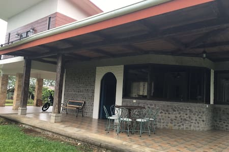 Casa con lago rancho y gran espacio - Pénjamo - Rumah
