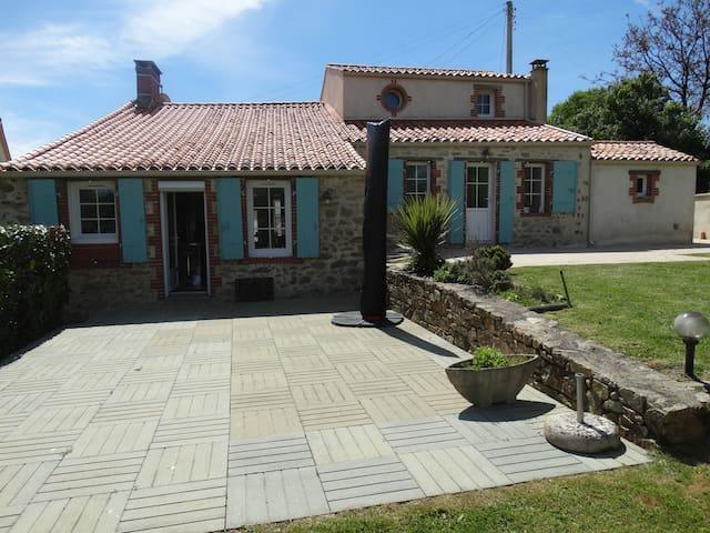 La Brancairoise, le Vendée Globe et le Puy du Fou - Nesmy - Villa