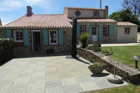 La Brancairoise, le Vendée Globe et le Puy du Fou - Nesmy