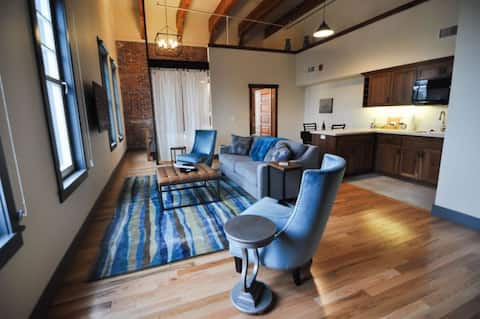 Jory Flat/Amity Flats: history, luxury, wine