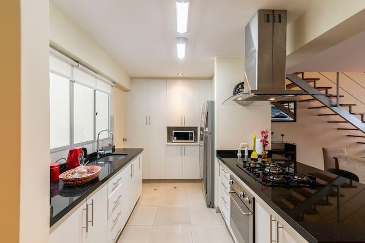 Kitchen with modern appliances - fully equiped