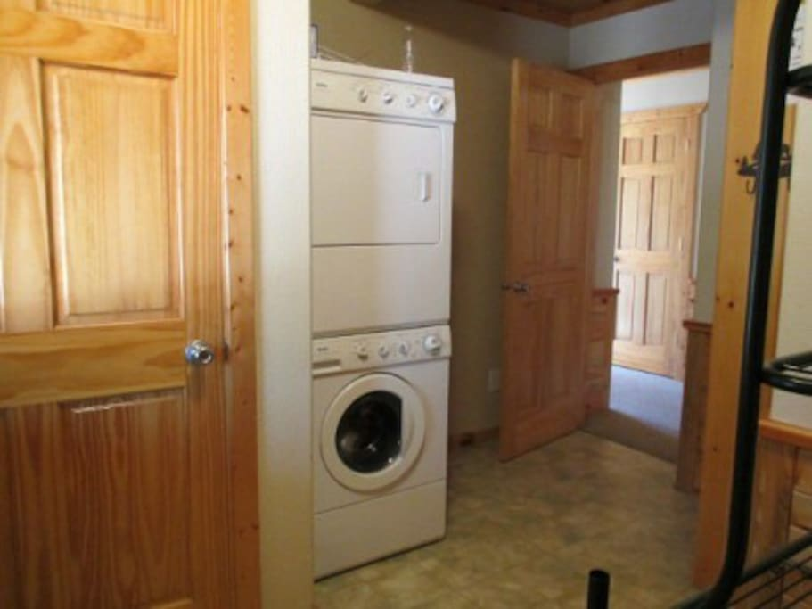 Mud room / Laundry area
