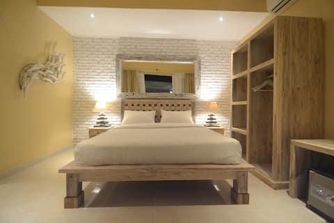 Room @CENTRAL Canggu. 1 KM to Batu Bolong Beach(7)