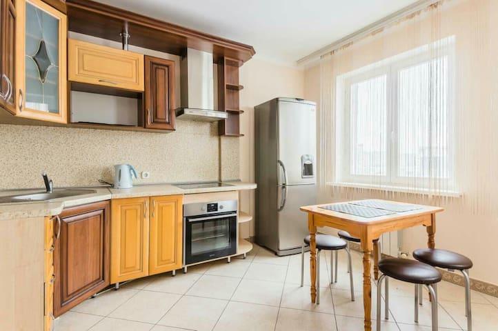 2 комнатная Уютная квартира ст.м.Каменная Горка - Minsk - Apartamento