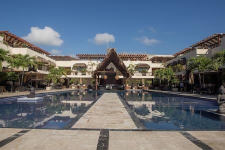 Sea View Condo Hotel Aldea Thaï, on the Beach+Pool