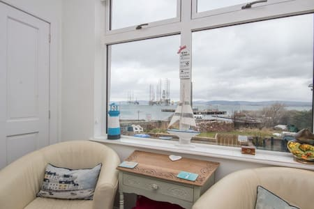 Harbour View - No4