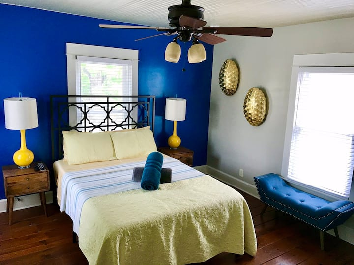 NEW!! Lux Beach 1 Bedroom!
