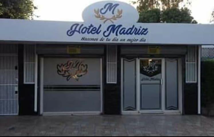 Hotel Madriz, en el centro de la Ciudad.