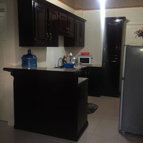 1 bedroom apt. Mon Repos ECD. 15 from Georgetown.
