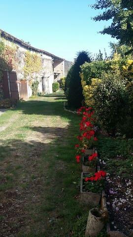 Maison de campagne 30' La Rochelle - Saint-Hilaire-la-Palud
