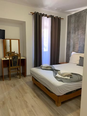 Doubleroom with extrabed and bathroom , Ac - 102