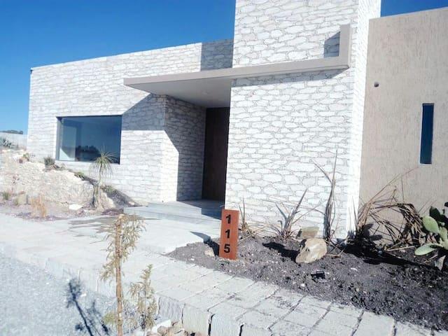Casa en Mineral de Pozos en exclusiva privada