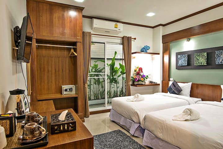 COZYTEL hotel : Twin Beds Room - Room Only