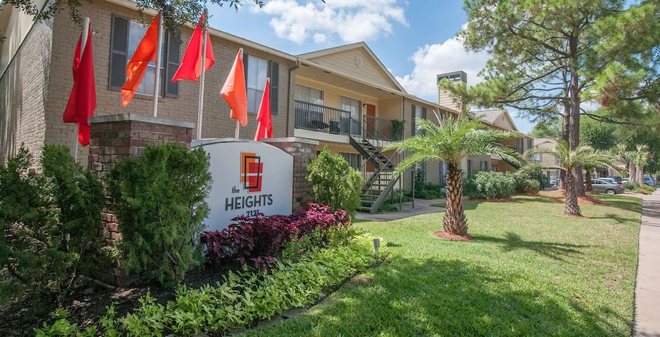 Cozy 2 room/2 bath apartment in The Heights - Houston - Wohnung