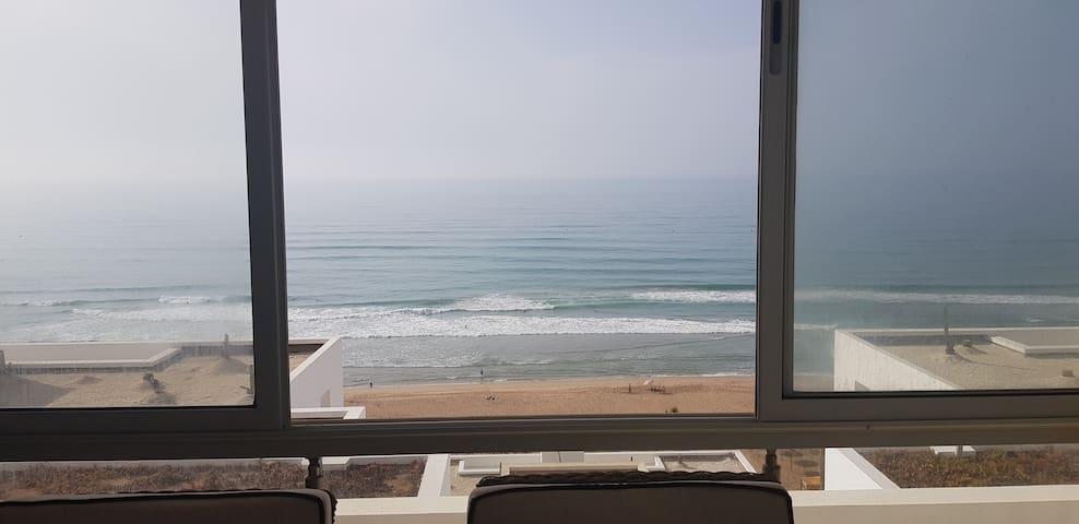 Appartement luxueux meublé vue et accès direct mer