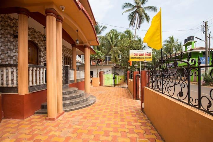 Sun Guest House & Apartment