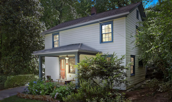 Northcutt, Fully Renovated Historic Marietta Home