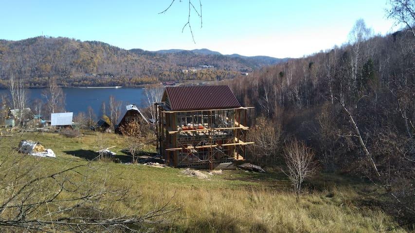 Байкал, порт Байкал, Шаман камень