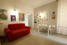 Renovated 2 bedrooms apartment 500m from beach
