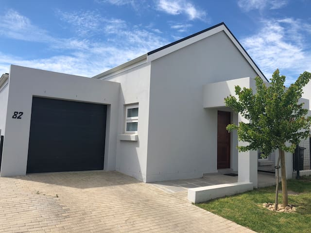 Paarl Lock up and go townhouse in security estate