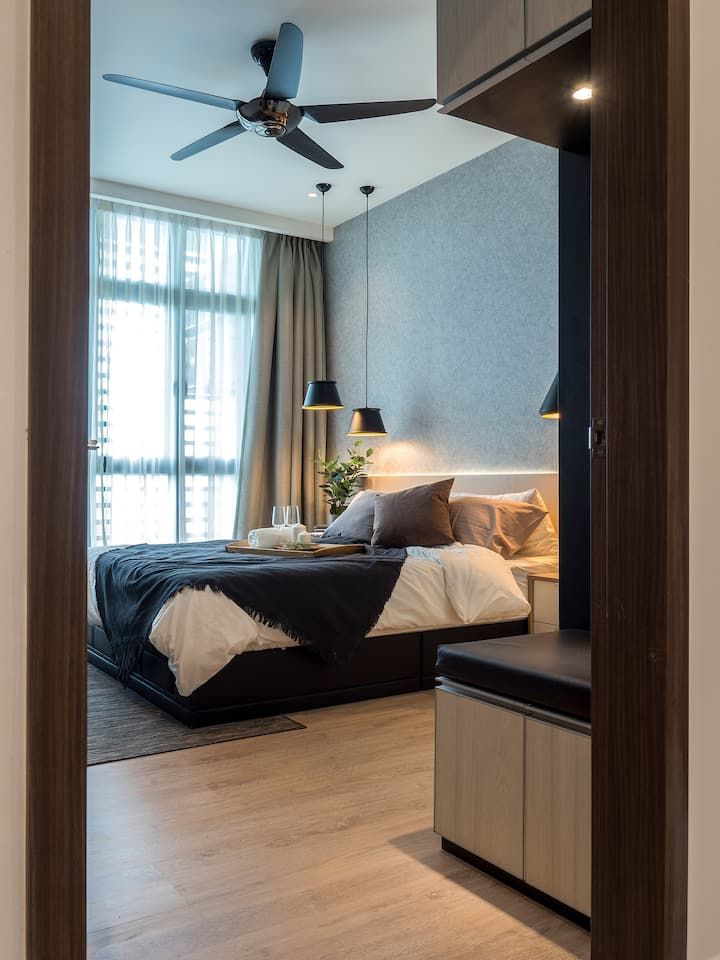 Luxury Smart Apartment w/ Poolview @Green Haven