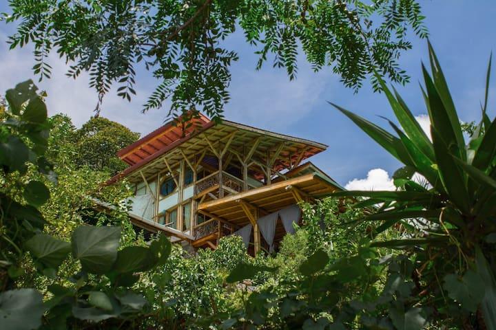 Bambu Guest House 2 Tzununa Lake Atitlan Guatemala