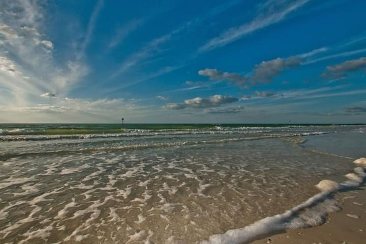 NEW! Easy Living! Less than 2 blocks to the beach!