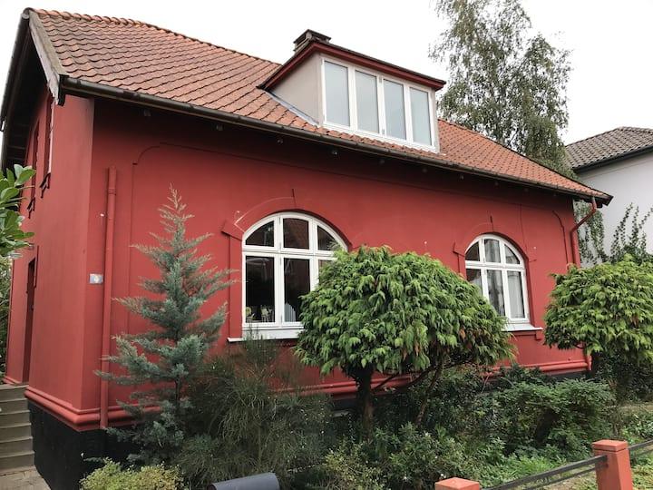 Charmerende villaværelser centralt i Nyborg by