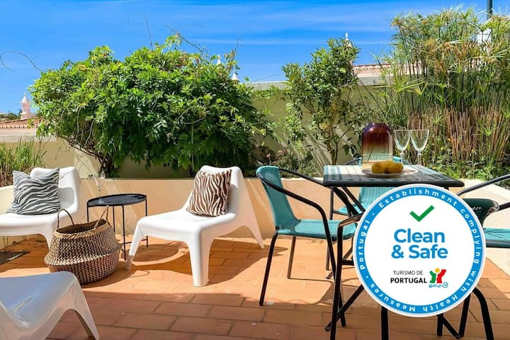 2BR Townhouse, Ocean Views, 5min to Beach & Pool by LovelyStay