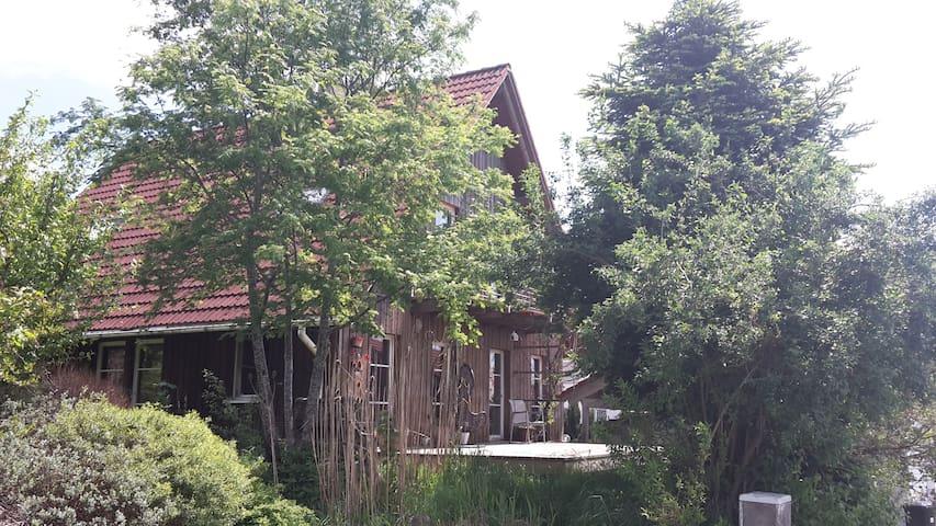 Wunderschönes Liebhaber-Haus - Waldburg - Дом