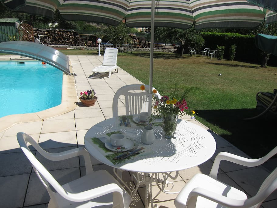 Au verger 06 chambre jardin piscine et rivi re guest for Au jardin guest house welkom