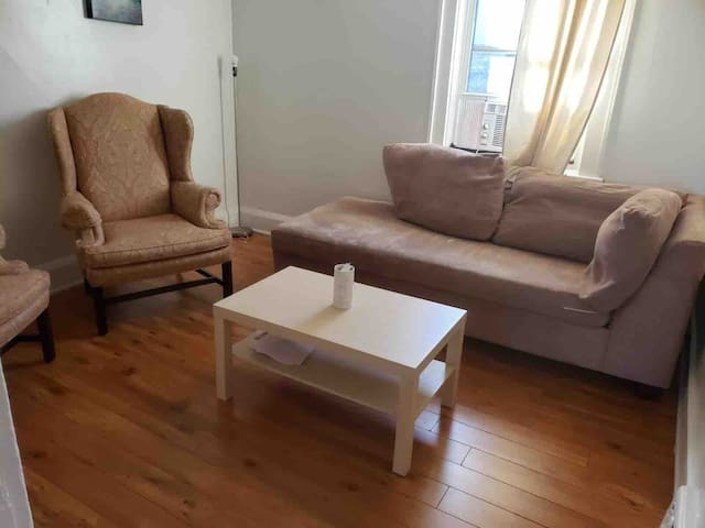 2 Bedroom 2nd Floor Apartment all to Yourself.