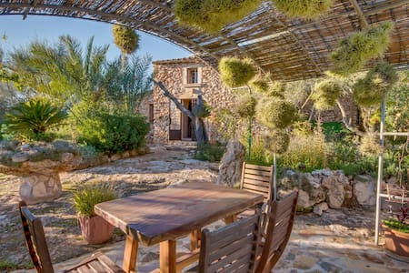 NA GAT a haven of peace in southeast Mallorca