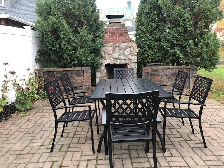 The Grand Ave Garden Retreat
