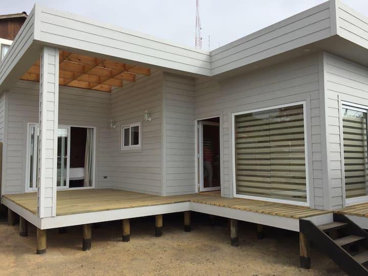 Cabaña para 6 personas frente al mar en Iloca