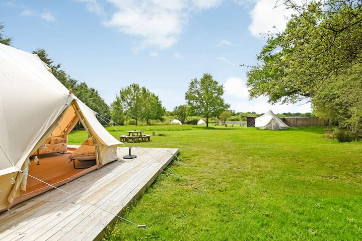Luxury Group Glamping with Hot Tub. Sleeps 24+
