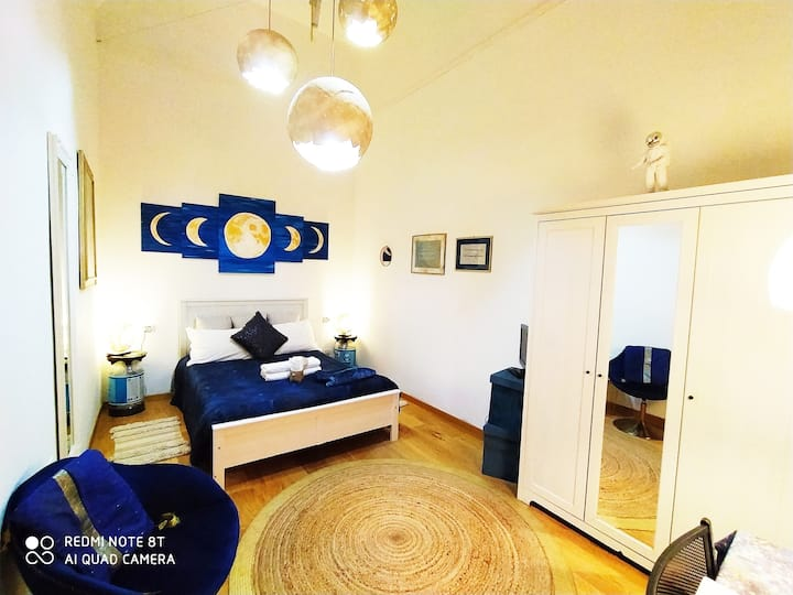 The Smallest Hostel of Florence - Moonshine Avenue