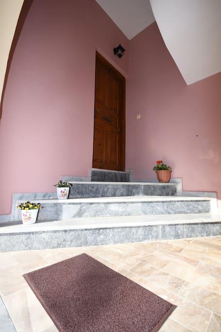 Ιδιωτική είσοδος οικίας