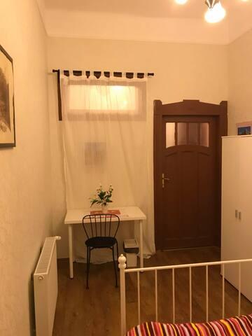 越年轻1号---双人房间