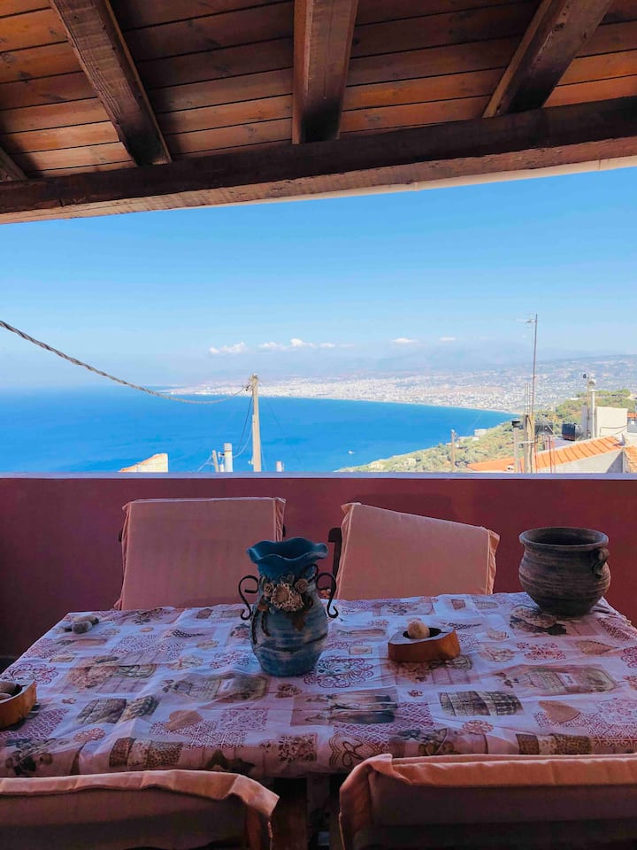 Maisonette  with wonderful view to sea