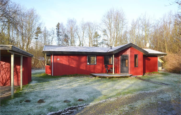 Holiday cottage with 3 bedrooms on 79m² in Oksbøl