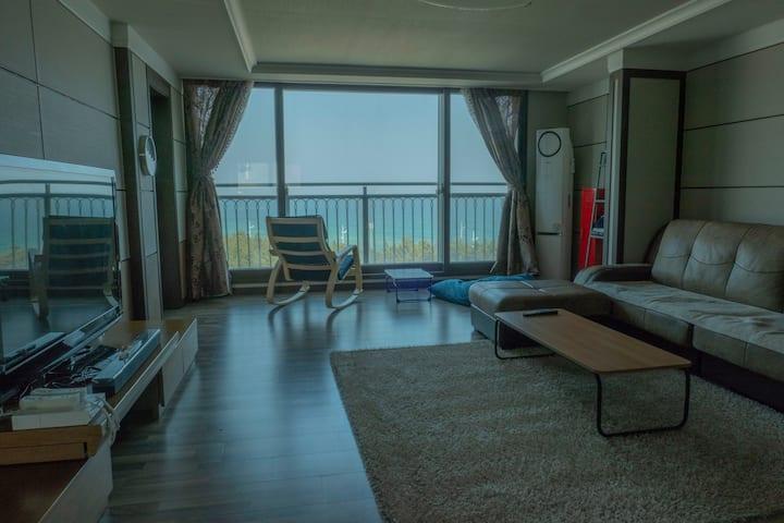 주문진 항구 바다가 한눈에보이는 35평형 아파트 숙소